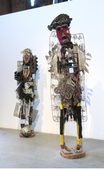 Two figures - Guyodo