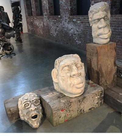 Three stone heads - Ti Pelin