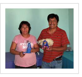 Moises Jimenez and Oralia Cardenas. Arrazola, Oaxaca, 2010. (Photograph © Anthony Hart Fisher, 2010)