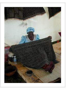 Nakunte Diarra Bamana bogolan artist from Beledougou region, Mali at 2003 Smithsonian Folklife Festival.