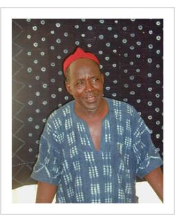 Dogon Indigo master Ousmane Ganamé from the Bandiagara region of Mali. (Photograph © Anthony Hart Fisher 2003).
