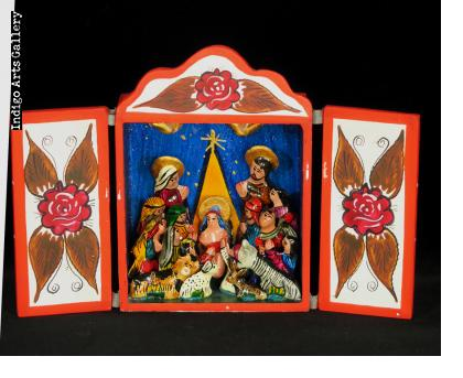 Nacimiento (Nativity) - Crown Gable Retablo