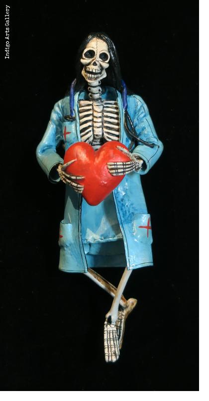 Heart Transplant Calavera - Retablo figure