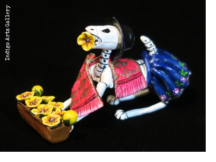 Calavera Flower-seller Dog - Retablo Figure