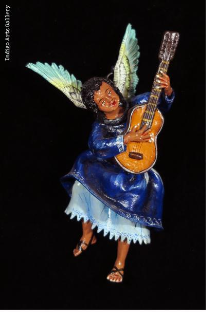 Angel with Guitar - retablo figure