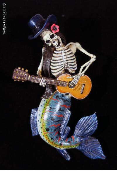 La Sirena Calavera con Guitarra - retablo figure