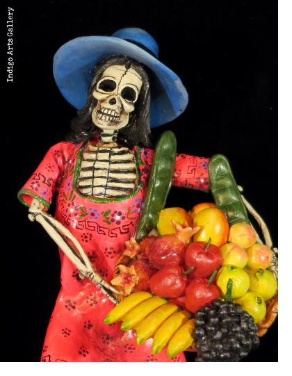 Calavera Fruit-seller - retablo figure
