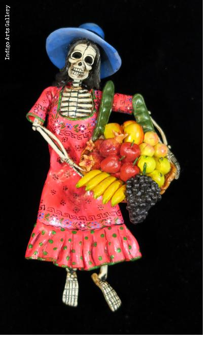 Calavera Fruit-seller - retablo figure