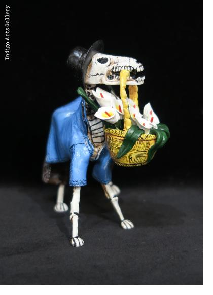 Calavera Flower dog - retablo figure