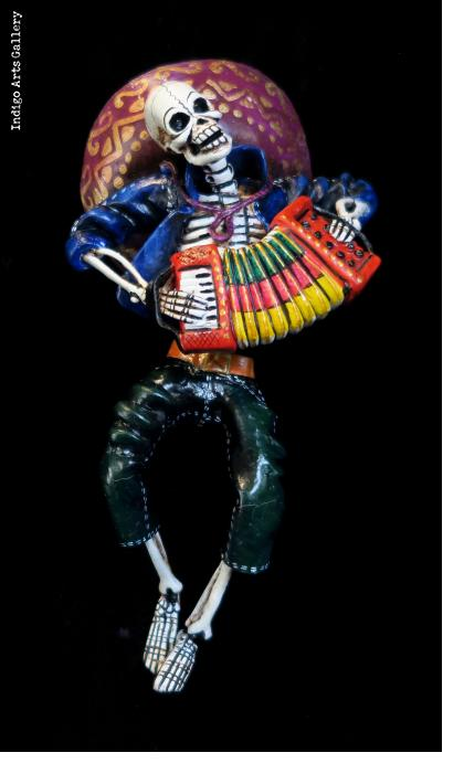 Accordion-player of the Dead - retablo figure