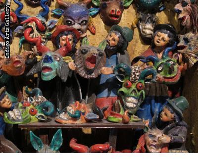 Mask Shop Retablo
