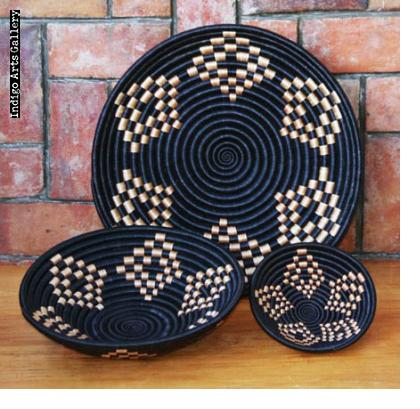 Star-pattern basket