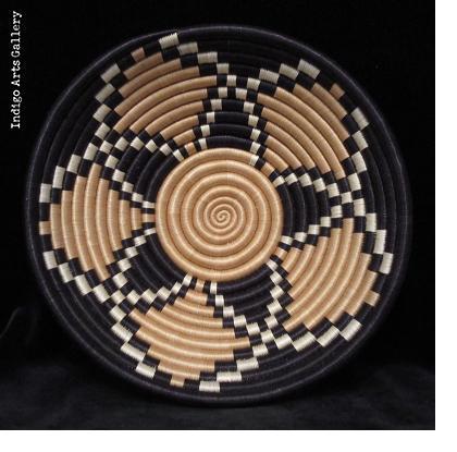Tea Blossom pattern basket - Medium