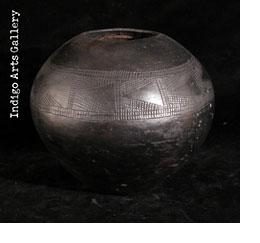 Beer Pot with sgraffito decoration